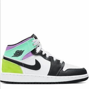 🍭*NEW* Air Jordan 1 Mid 'Pastel Black Toe' (GS)